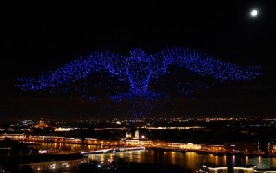 Two-thousand Plus Simultaneous Drones Position Themselves with GPS and GLONASS technology